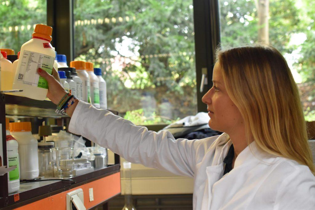 Anne Lamp entwickelt neues Verfahren als Lösung für das globale Plastikproblem